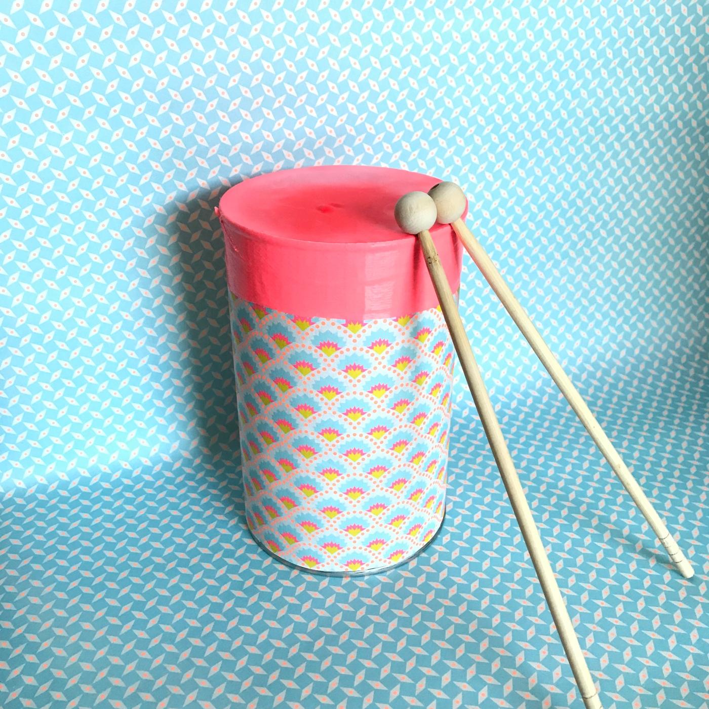 A tambours battants recyclage boite de conserve fête de la musique DIY craft bricolage enfant Image à la une