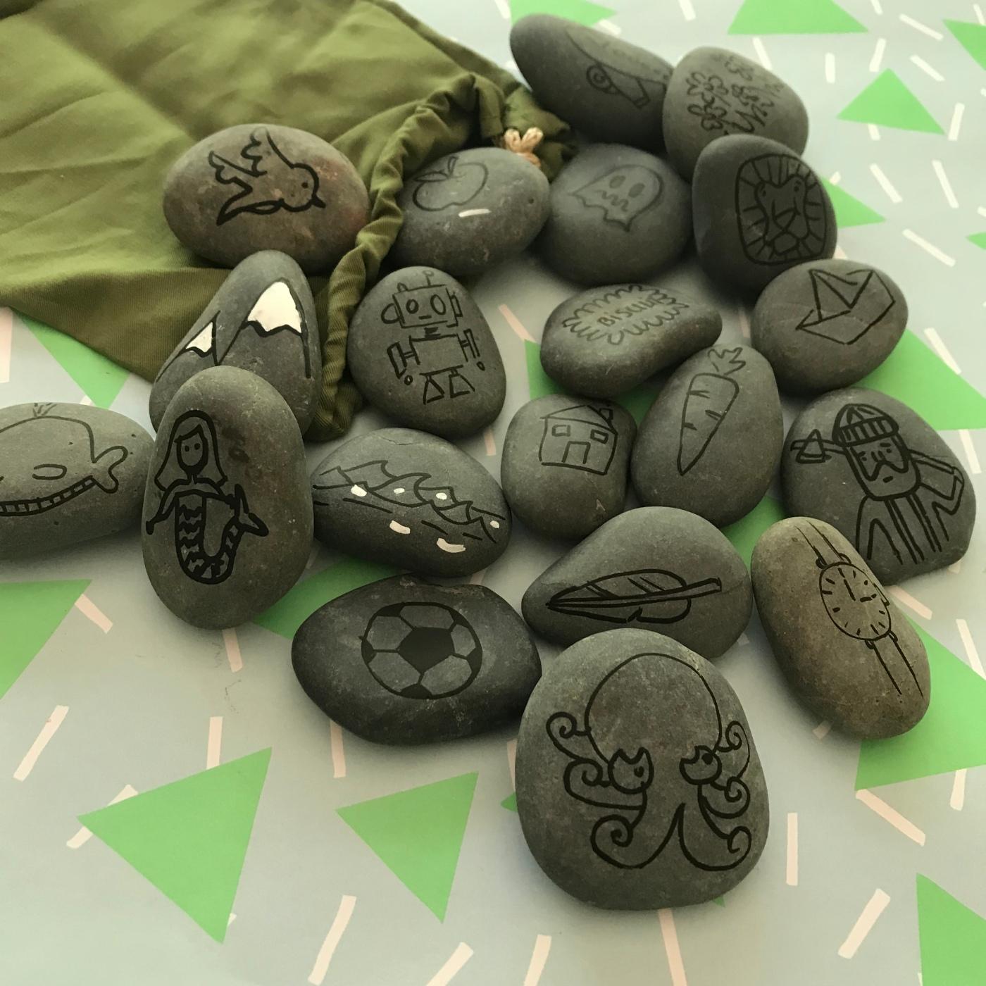 On se la raconte dessins sur galets jeu pour raconter des histoires DIY été plage craft bricolage enfant Image à la une