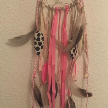 Attrape rêves indien diy bricolage enfant craft plumes ruban Et sinon rose fluo 2