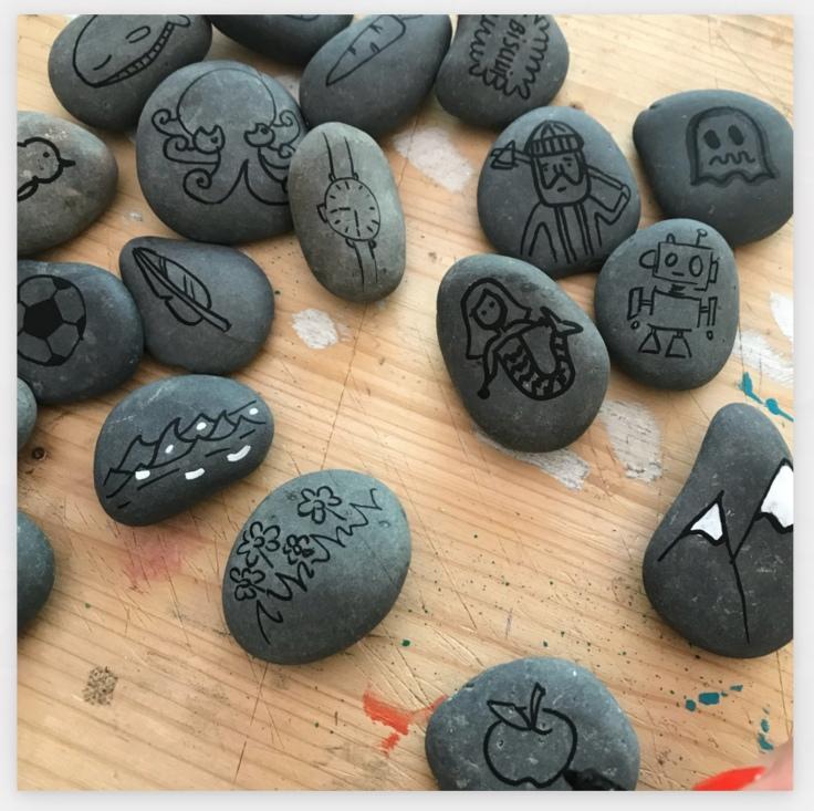 On se la raconte dessins sur galets jeu pour raconter des histoires DIY été plage craft bricolage enfant Pas à pas