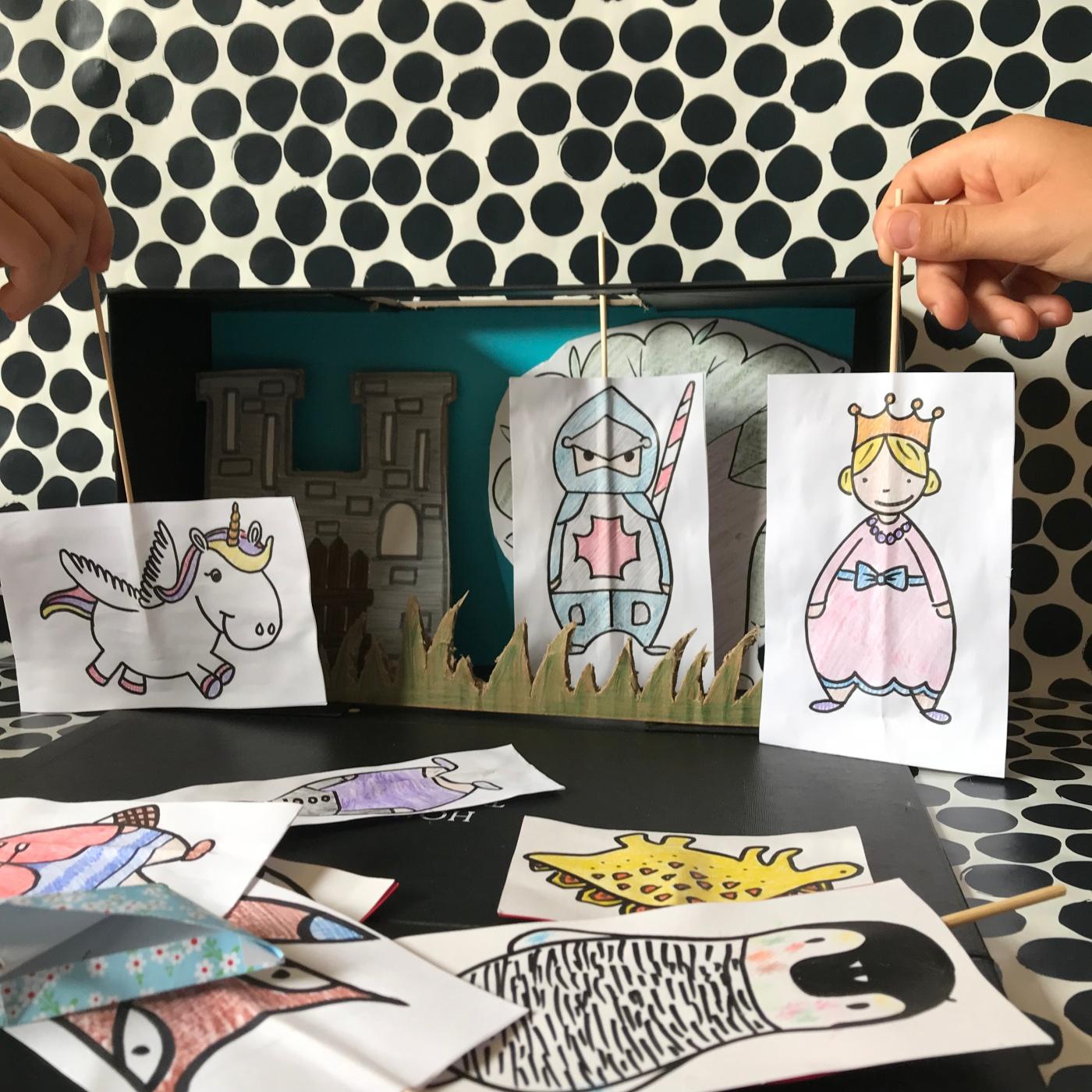 Petit théâtre d'été simplissime DIY bricolage enfants craft recyclage jeu fait maison imagination créativité Image à la une