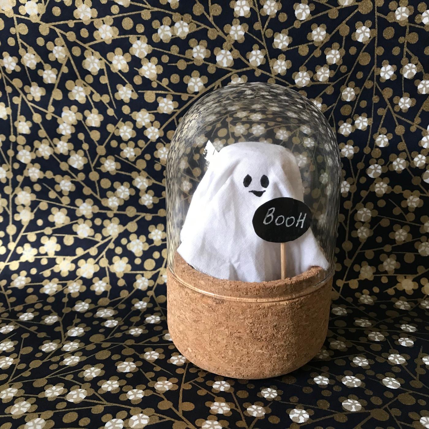 Halloween en ligne de mire DIY bricolage enfants cravate for kids cloche d'exposition fantôme Image à la une