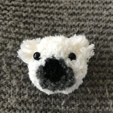 Nounours polaire broché en vue - broche - laine - pompon animal - bricolage enfant - DIY - craft for kids - Et sinon chien
