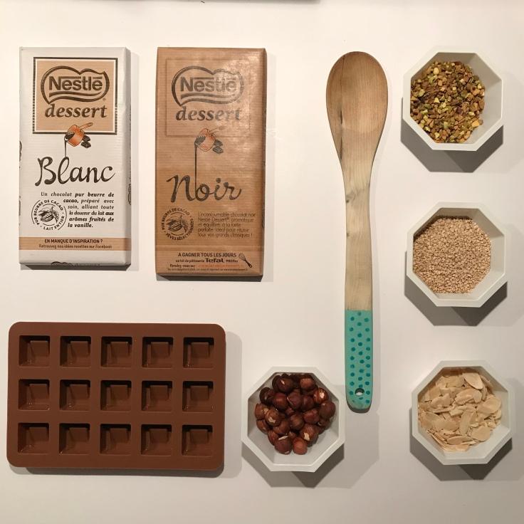 Chocolat noir ou blanc - DIY - bricolage enfant - craft for kids - chocolats de Noël - DIY pâtissier - fiche matériel