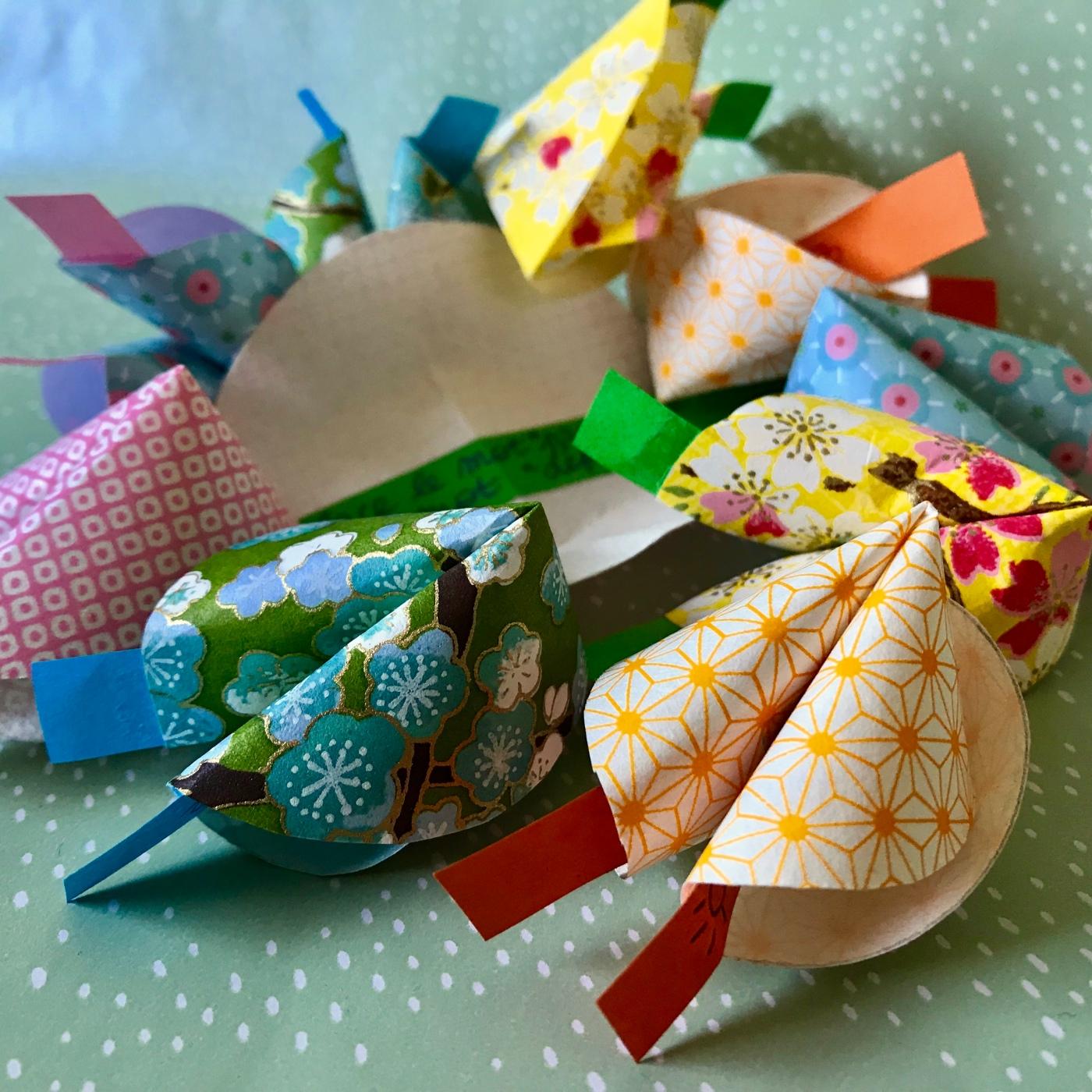 Biscuits de la fortune en papier - DIY - bricolage enfant - craft for kids - nouvel an chinois - origami - image à la une