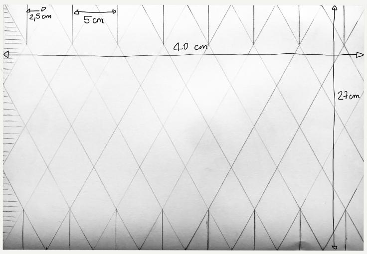 Vase «origamiesque» DIY - bricolage enfant - craft for kids - vase - origami - recyclage - papier - modèle mesures